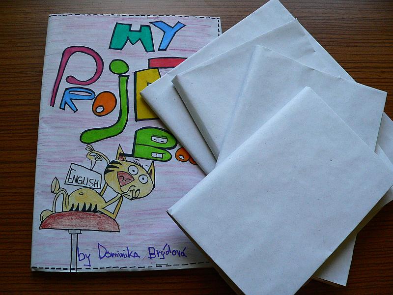 Balení knih do papíru