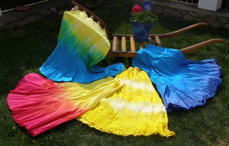 Osmidílná batikovaná sukně