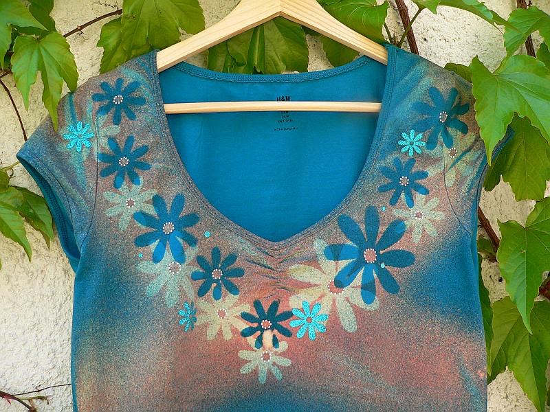 Rozkvetlé triko