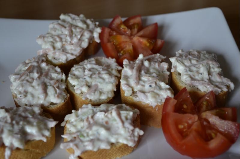 Hermelínový salát s jogurtem