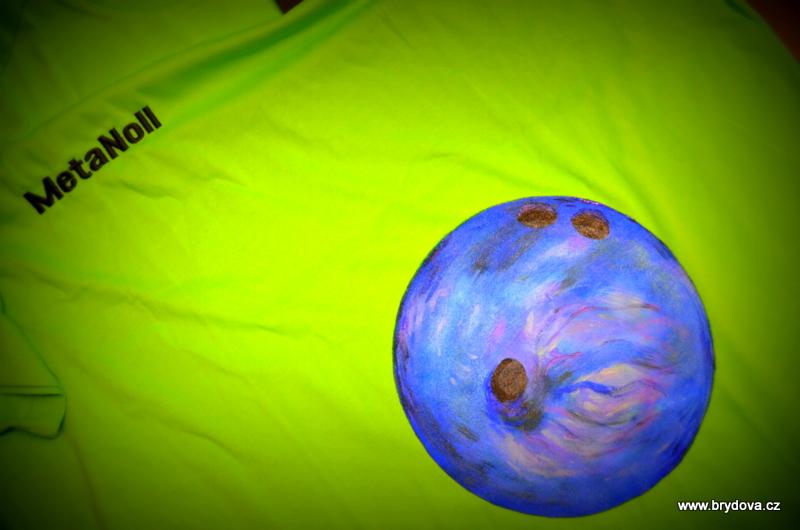 Triko s bowlingovou koulí