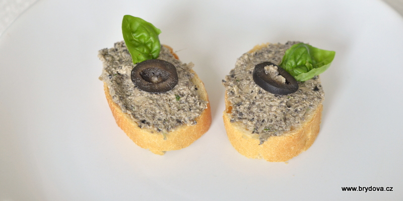 Paštika z černých oliv
