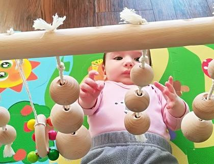 Hrazdička pro miminko